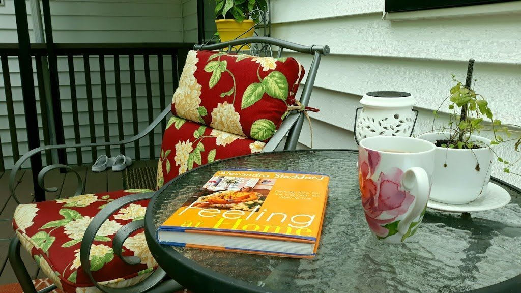 Read more about the article Feeling at home and enjoying the deck